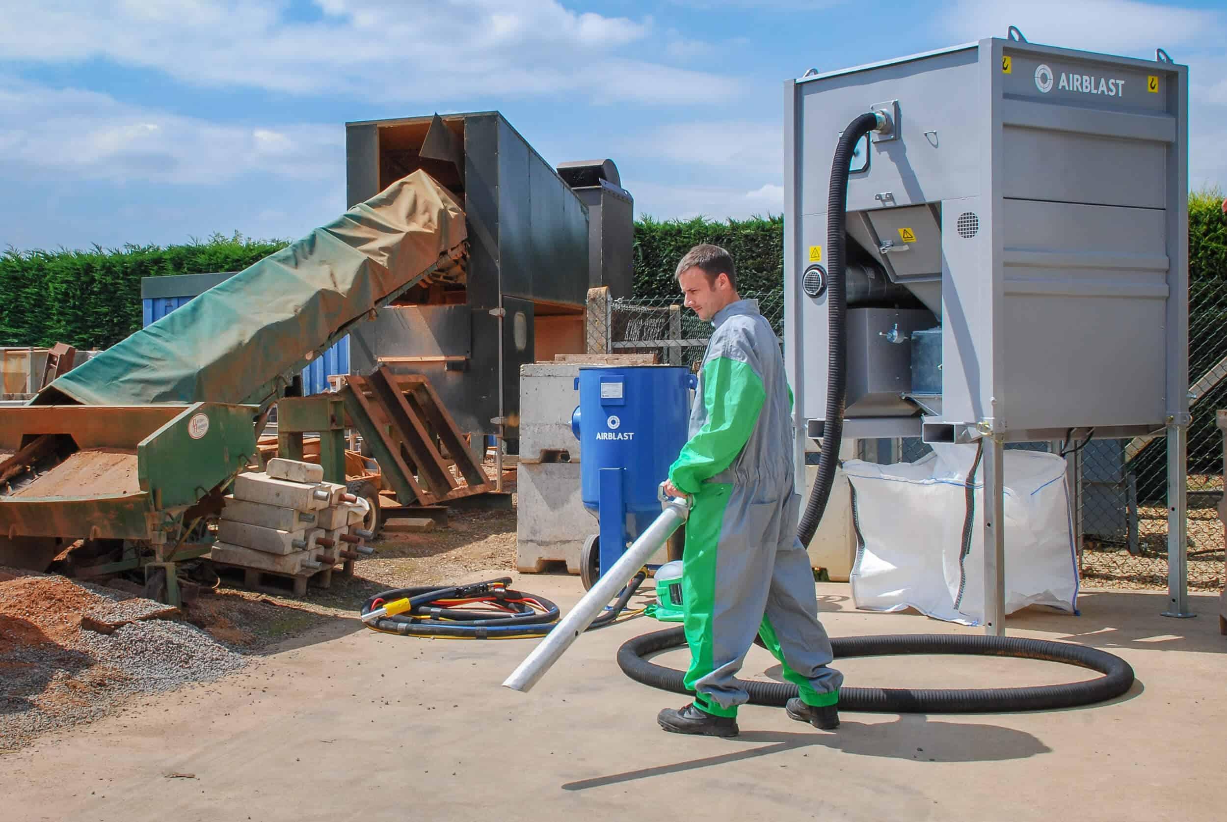 Airblast Abrasive Vacuum Recovery AbVac