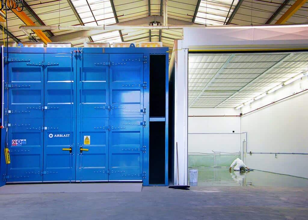 Airblast Paint Spraying Booth